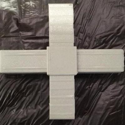 Embout en croix